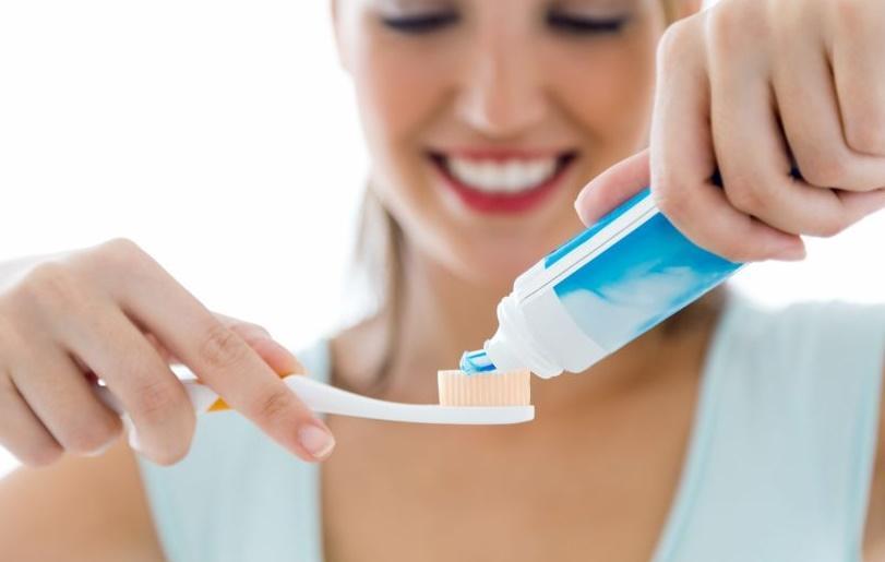 Dişlerinizi düzenli fırçalayın