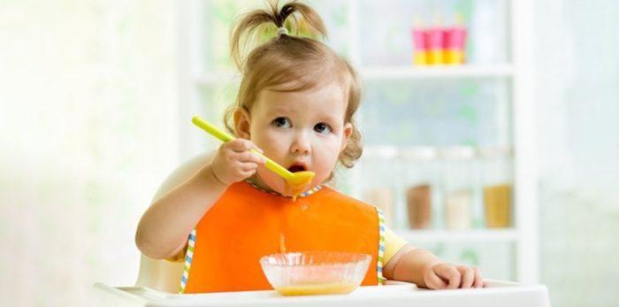 Bebeklerde Ek Gıdaya Geçiş Dönemi Ne Zamandır?