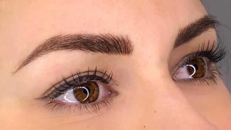 Kalıcı Eyeliner Uygulaması