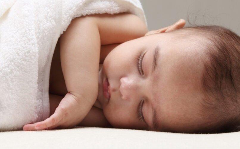 1 Aylık Bebeklerde Saç Dökülmesi