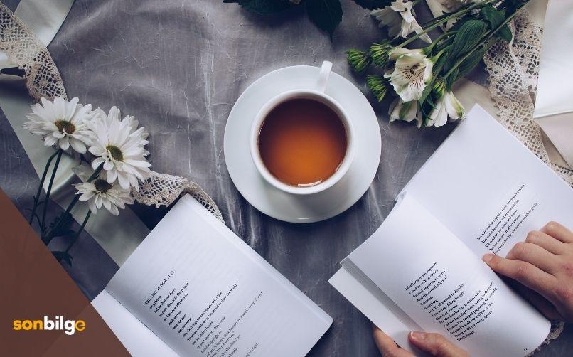 Kitap Okumak Hayatı Sevdirir!