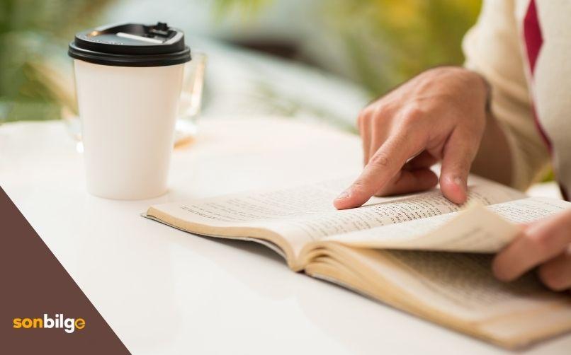 Kitap Okumak Yazma Becerisini Geliştirir